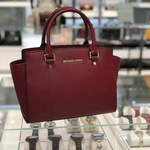 MICHAEL KORS SELMA MEDIUM LEATHER SATCHEL scarlet